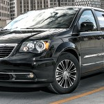 2013 Chrysler Town and Country Minivan