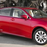 2013 Lexus ES 300h hybrid sedan