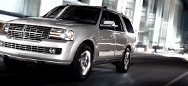 Lincoln Navigator Luxury Full-Size SUV