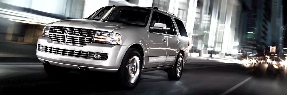 Lincoln Navigator Luxury Full-Size SUV