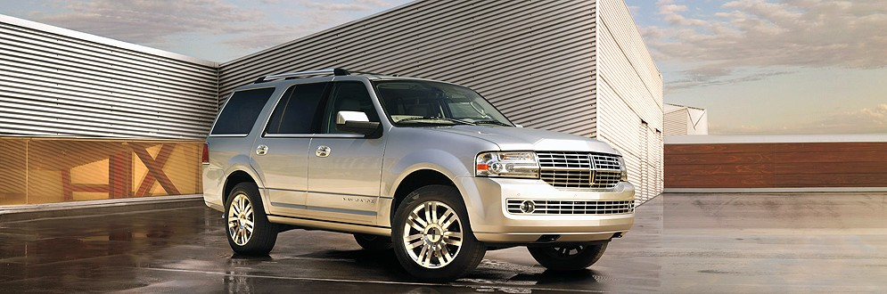 Lincoln Navigator L Luxury Full-Size SUV