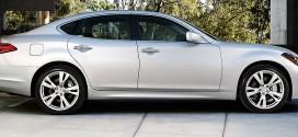 Infiniti M37 Luxury Full-Size Sedan