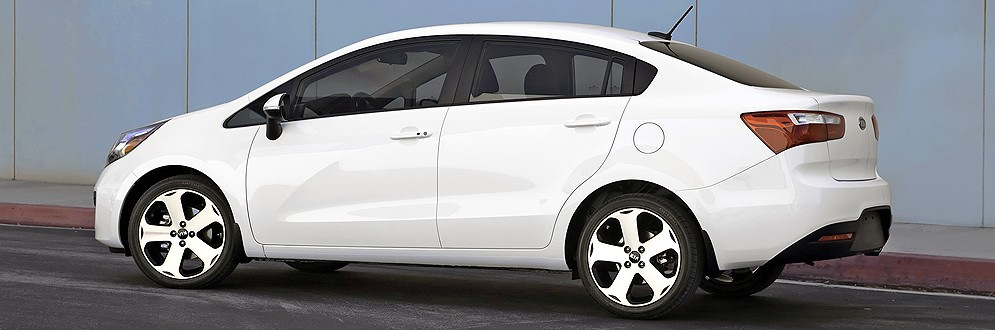 Kia Rio Luxury Sub-Compact Sedan